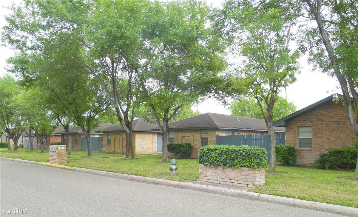 Ash Tree Apartments  570    700. Ash Tree Apartments   uCribs
