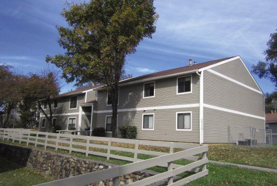 Superior Ridgewood Village   UCribs