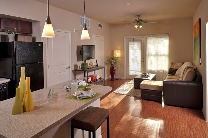 Avalon Place Ucribs