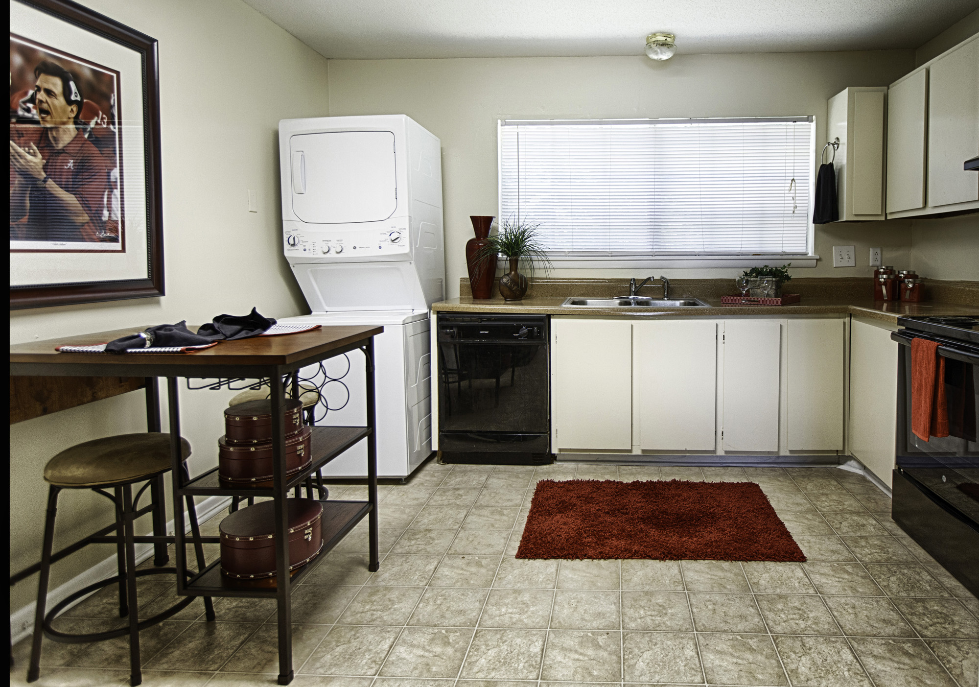Perfect Fountain Square Apartments   UCribs