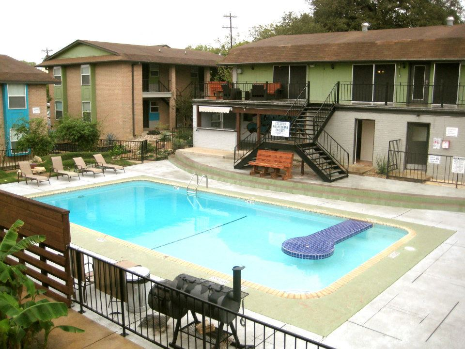 Iconic Village Apartments San Marcos
