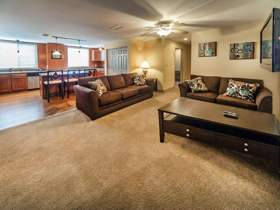 Single Bedroom Apartments In Bloomington Indiana 1 Bedroom 1 Bath Barclay Square Apartment On