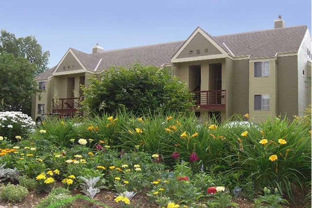 River Glenn Apartments - uCribs
