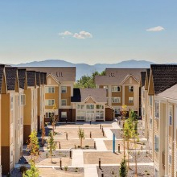 Ponderosa Apartments: Vizcaya Hilltop Apartments