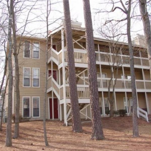 Timber Hollow Apartments: Chapel Ridge