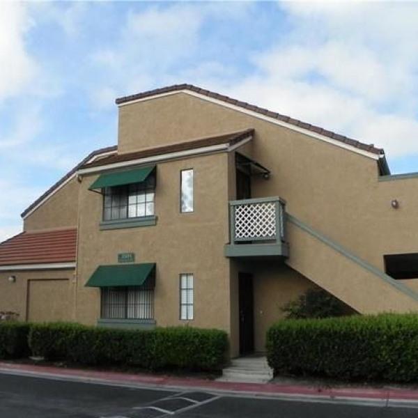 Park Del Amo Apartments in Lakewood, CA - uCribs