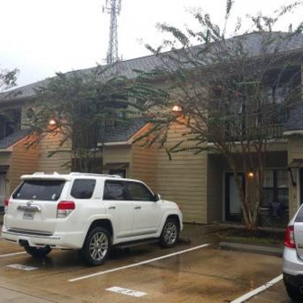 One Lakeshore Place Apartments Baton Rouge