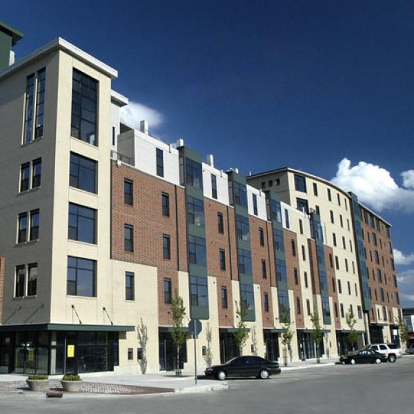 Apartment Listings: Smallwood Plaza Apartments