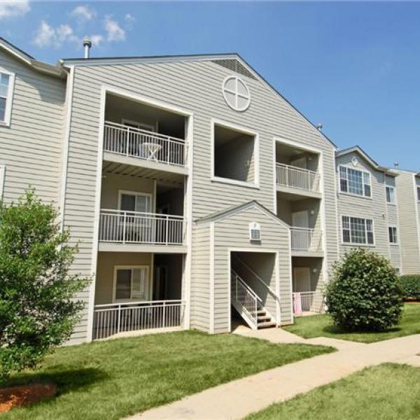 Nyc Apartment Listing: City Flats At Renwick Apartments