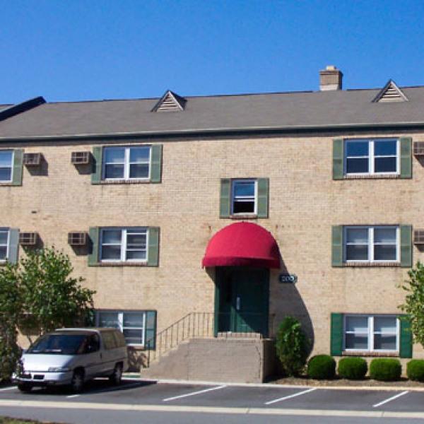 Cedar Wood Apartments: Cedar Wood Apartments