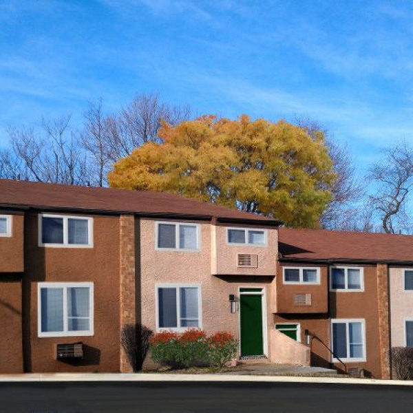 The Varsity Townhomes  1 149    1 649. Cider Mill 25 North Street  Newark  DE  19711 2297   uCribs