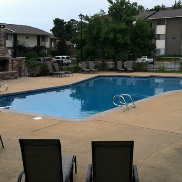 Auburn Glen Apartments: Heritage Terrace