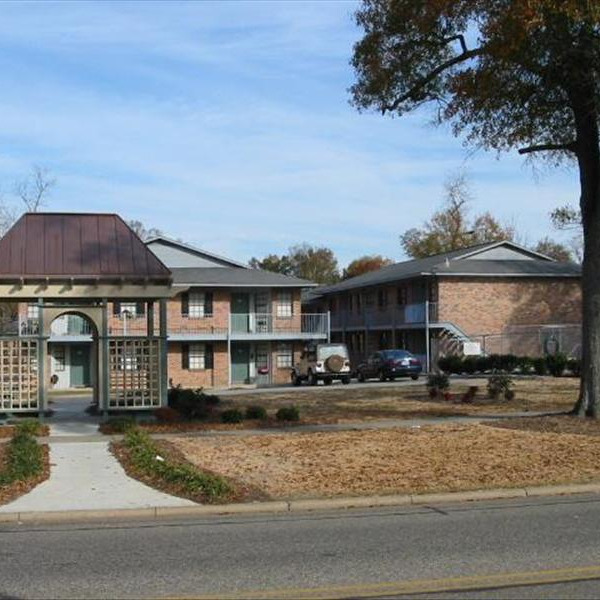 Magnolia Court Apartments: Cavell Court Apartments