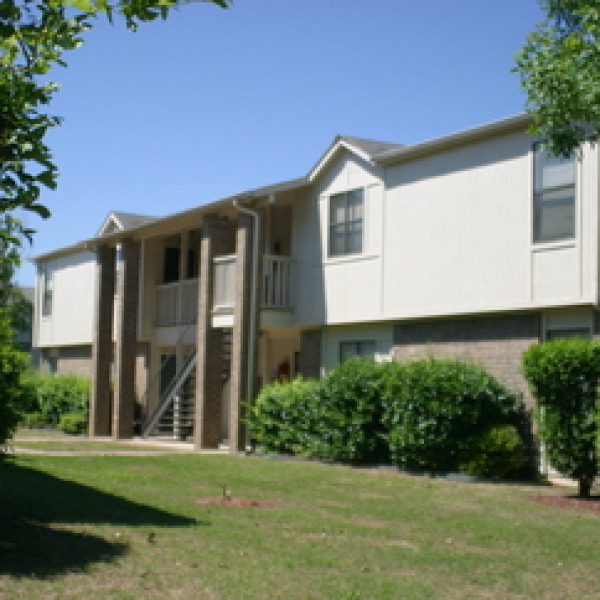 Apartments In Garland: The Vineyards On Garland