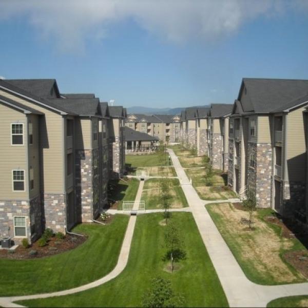 Apartment Listings: Argyle Apartments