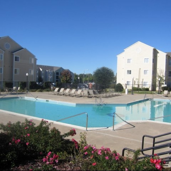 Hamptons Rentals By Owner: Hampton Woods Apartments