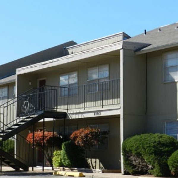 Apartments In Norman Ok: Scholar's West Apartments