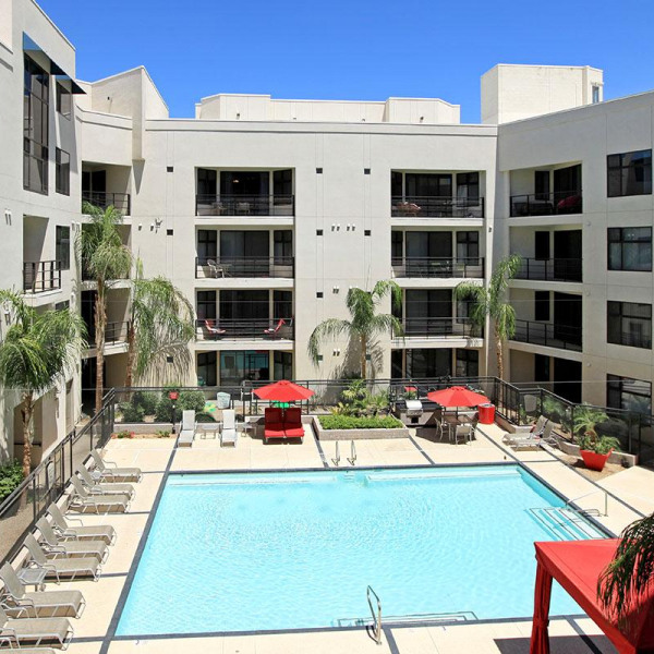 La Mirage Apartments