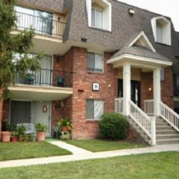 Dover Apartments: Village Of Westover Apartments